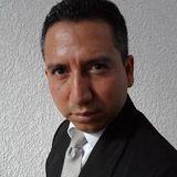 Byron González
