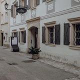 Profile for Layerjeva hiša