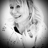 Profile for Annika Di Chiara
